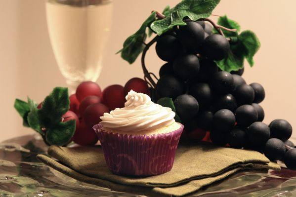livelovepasta | Kir Royale Cupcakes | http://livelovepasta.com