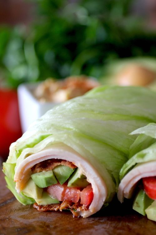 BLT Turkey Lettuce Wrap // low carb, packed full of protein & veggies