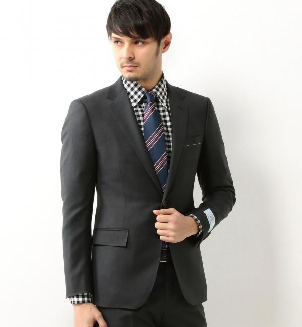 ビジネスシーンの優等生ユナイテッドアローズのメンズスーツ|アウトレットで人気