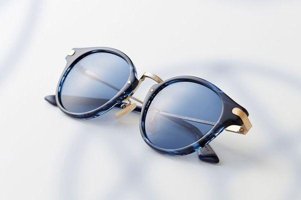 レトロにモダンが魅力的なayame(アヤメ)のメガネ|人気急上昇ブランドの魅力とは?
