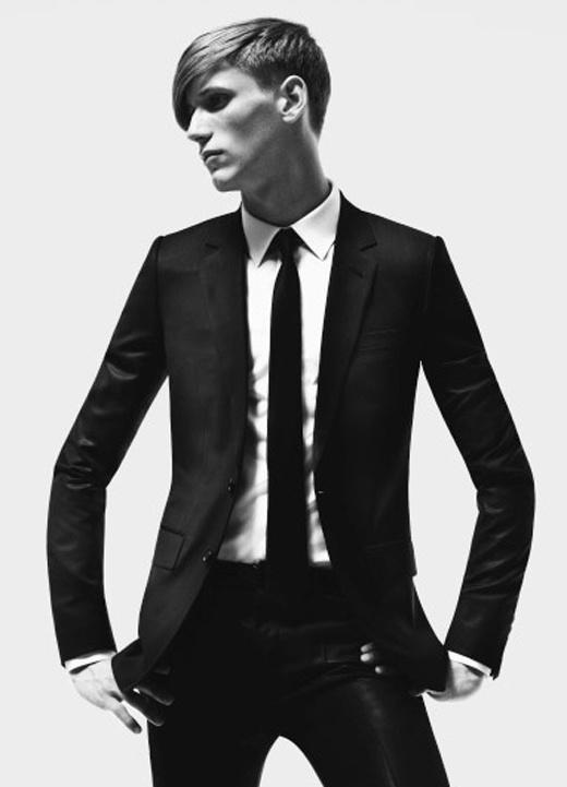ブラックスーツ完全解説!礼服、喪服、ビジネスまであなたの疑問を解決できる!?