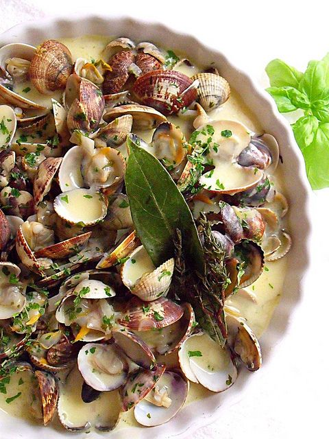 Clams in Saffron Cream...This looks absolutely stunningly delicious.