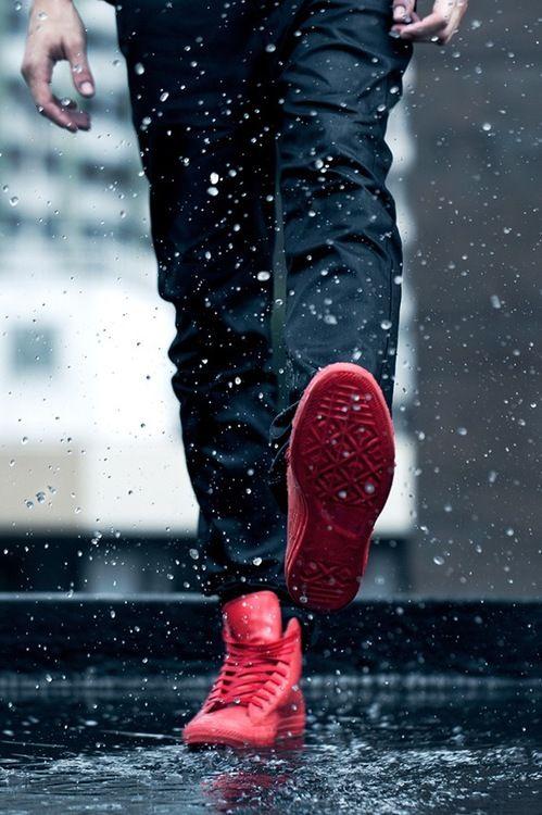 雨の日の靴どうしてる?大人紳士の「防水・撥水スニーカー」特集