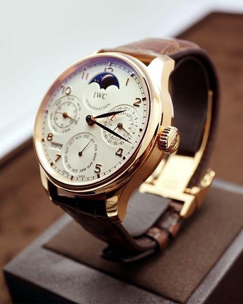 スイスの高級時計ブランド「IWC」の腕時計の魅力に迫る!現行全6モデルを徹底紹介!