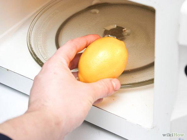 レモン汁を簡単にいつもの3倍多く絞る裏ワザ!