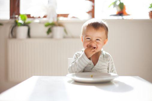 離乳食で8ヶ月頃の食材・レシピをご紹介、注意点などもレクチャ-