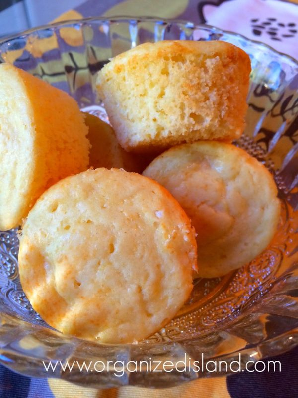 simple pineapple muffins - only 5 ingredients