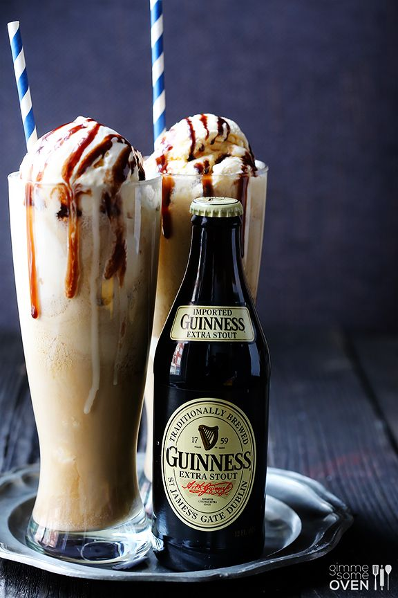 Guinness Floats -- sweet and stout at their best, plus they only take 1 minute to make! | gimmesomeoven.com