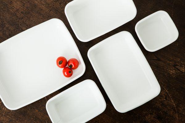 琺瑯は、紀元前約1500年から人類が使ってきた知恵。琺瑯は、耐久性や衛生面での優秀さから暮らしに役立てない理由はない道具。野田琺瑯は、1934年創業の琺瑯専門メーカーです。