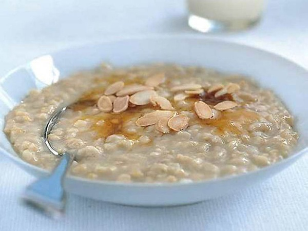 Icelandic breakfast cuisine – a hearty and hot breakfast to fight off the dark, icy mornings is what's needed here. Hafragrautur, or oatmeal, is served with a sprinkle of brown sugar with a few raisins or nuts on top, perfect.
