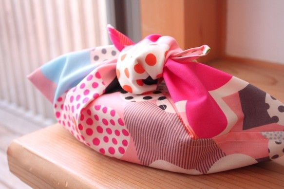 簡単便利なあずま袋、風呂敷や手ぬぐいで作る<基本の型紙と実例>