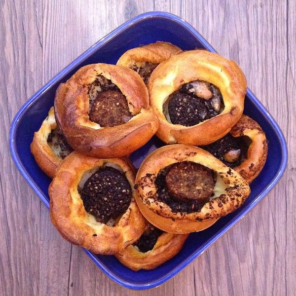 Foodie Quine: Haggis & Black Pudding Puddocks in the Hole. Perfect for Burns night!