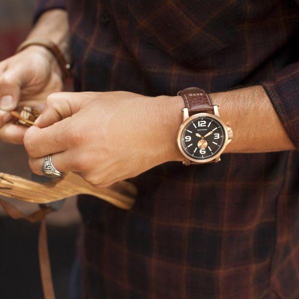 ヴィンテージ風腕時計で、男らしさと上品さを併せ持つ魅力的なメンズにランクアップ!