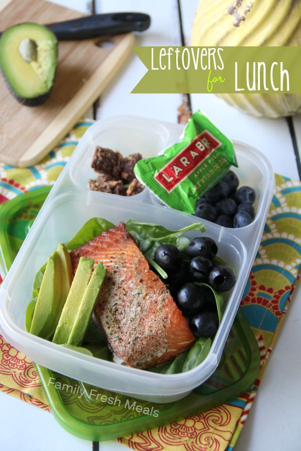 { Mommy Lunch } Leftover grilled salmon, avocado, olives, baby spinach, blueberries, Mini Lara Bar and some Butterfinger Muddy Buddies.