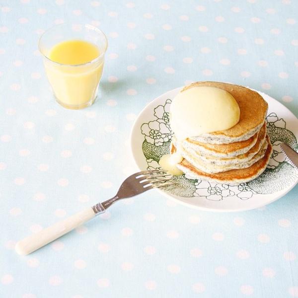 Earl Grey pancake with anglaise sauce ♡  おっはよ〜!  今日は、アールグレイパンケーキに、自家製アングレーズソースをたらりんで、いただきました( ˘͈ ᵕ ˘͈ ॢ ॢ)♡  秋休みのそらくんと、木曜日がお休みのとうちゃんは、魚釣りに出かけました♩私は、洗濯してお仕事のケーキを焼こうと思います。楽しい1日にしようね〜♡ - @ayu0319- #webstagram