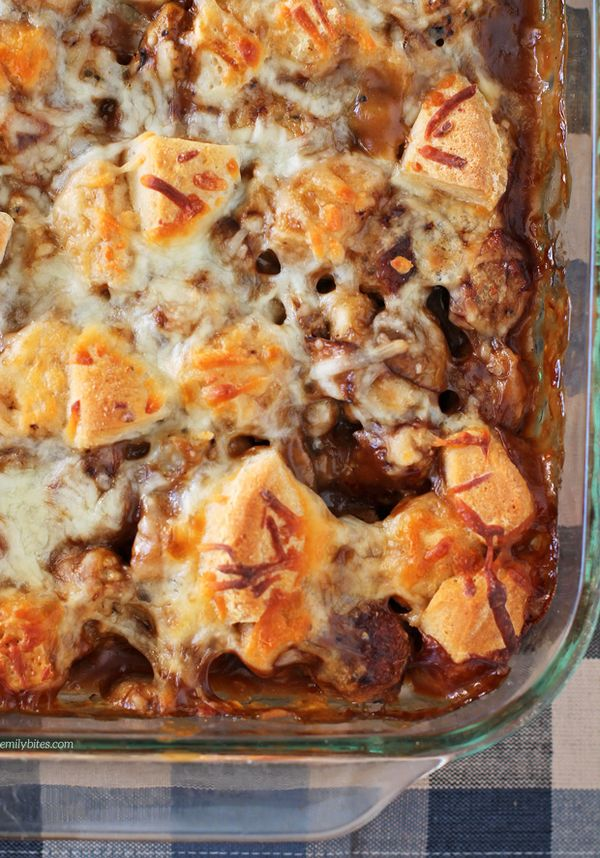 This Bubble Up Swedish Meatball Casserole is the perfect saucy, cheesy, meaty lightened up comfort food. Just 338 calories or 9 Weight Watchers SmartPoints! www.emilybites.com