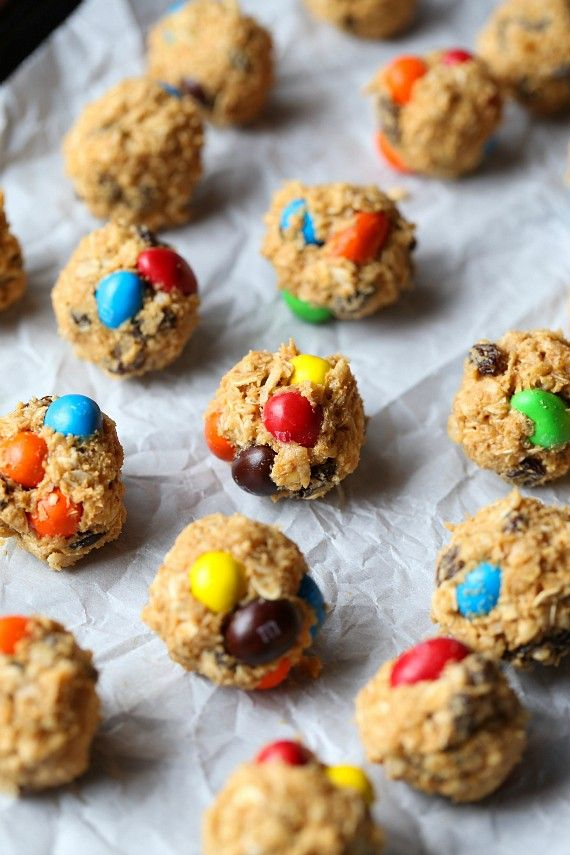 Looking for a tasty, easy to make snack? Try these M&M'S Granola Truffles from @cookiesandcups!
