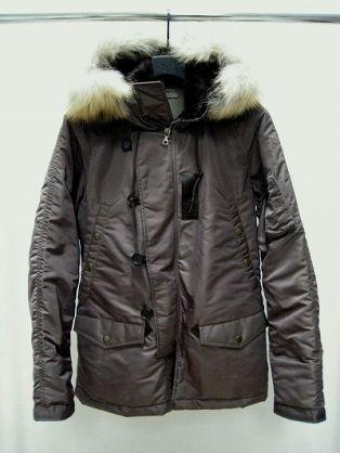 ミリタリーコートが気になる。どう着る?今年のミリタリーコート