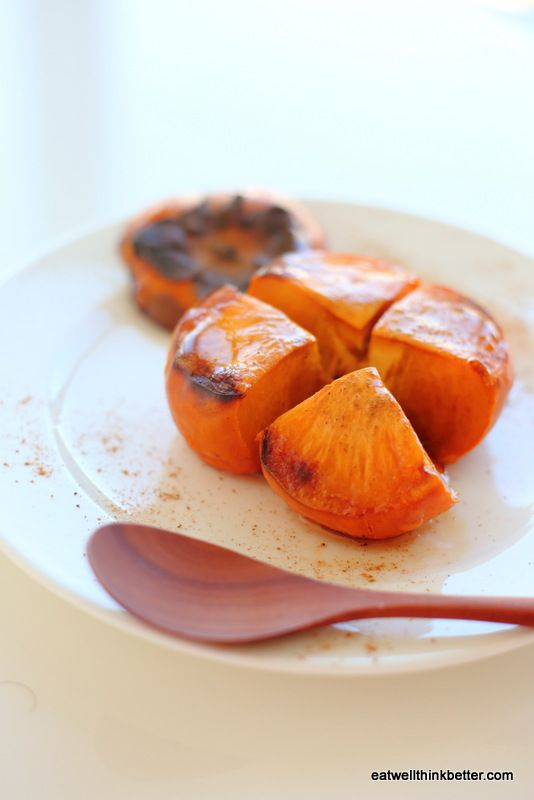 「焼き柿」ブーム到来!と〜ろとろで甘さが増す焼き柿レシピ☆