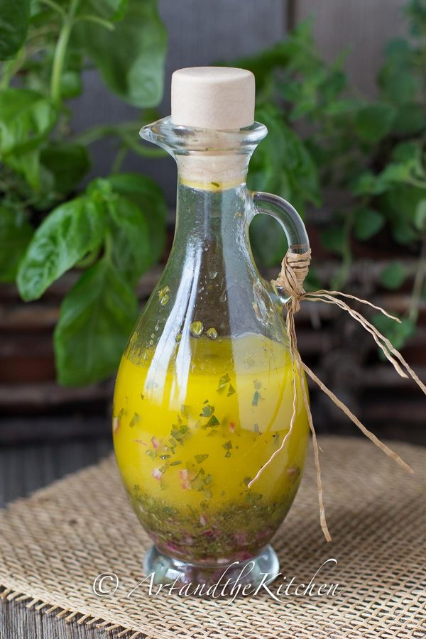 The best thing about growing your own herb garden is to make your own dressings. This recipe for Fresh Herb Italian Dressing is light, refreshing and packed with flavour.