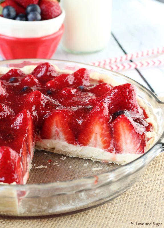 Strawberry Cream Pie Recipe ~ strawberry and cream heaven!