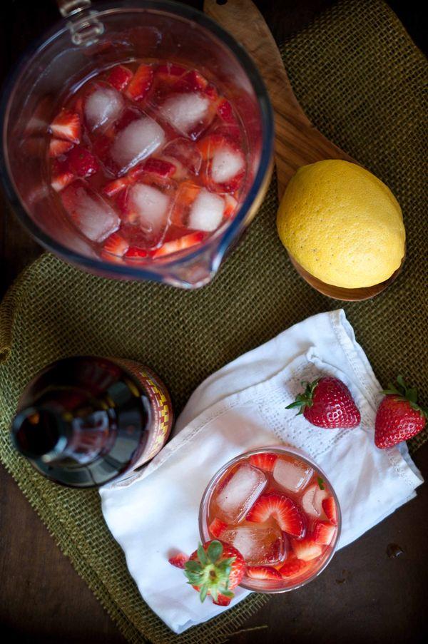 Strawberry Beer Lemonade - strawberries, 1/2 cup white sugar, 1/2 cup fresh squeezed lemon juice, 1 bottle blonde or pale ale #beertail