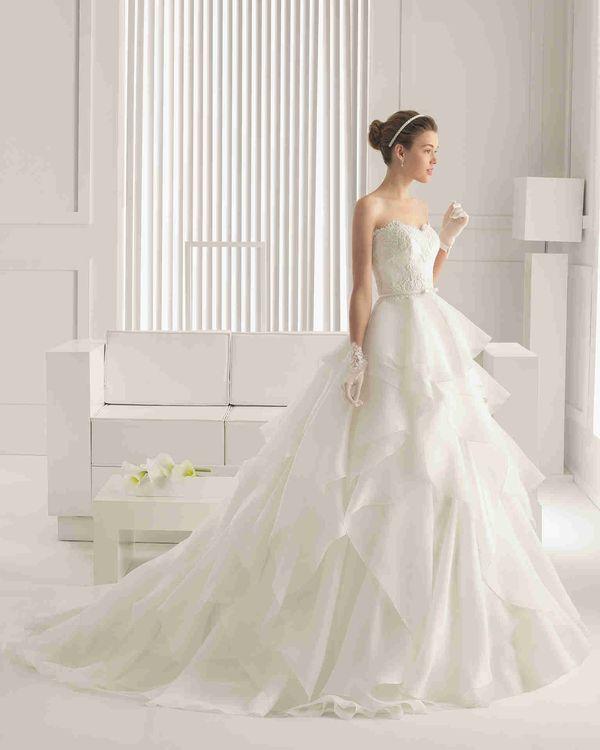 プリンセスライン ハートカット ノースリーブ ボールガウン 花嫁のドレス ウェディングドレス Hro0080 - P0080