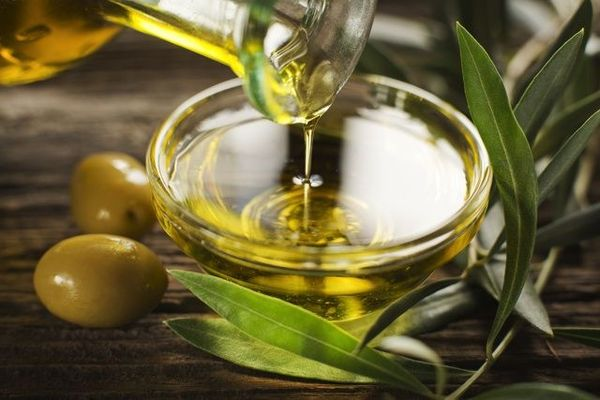 【食べるオリーブオイル】メディアでも話題の健康食|その簡単な作り方&レシピとは?