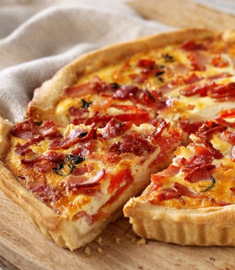 Bacon tomato and cheese quiche