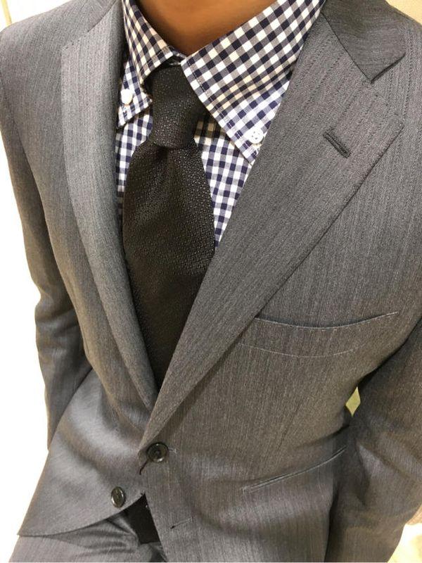 春のギンガムチェックシャツの着こなし方は襟&タイトに ビジネス~カジュアルまでメンズコーデ集!