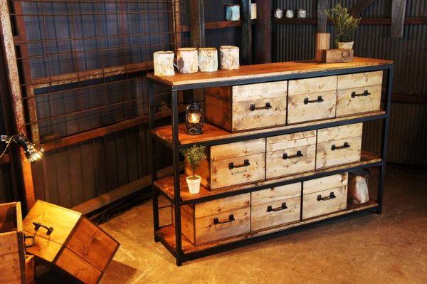 今より100倍おしゃれな部屋に|ワインの木箱インテリア&DIY活用法7つ