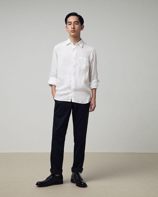 無印良品の服で始めるノームコアスタイリング|シャツ&パンツの質を妥協しないオトナコーデ