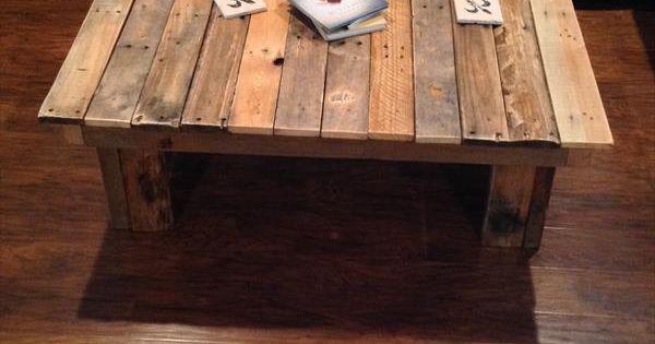 Fish table by pol quadens