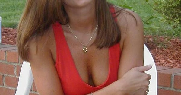 Pretty woman next door | Milfs and Cougars | Pinterest ...