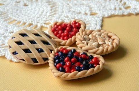 Как сделать из глины пирожок