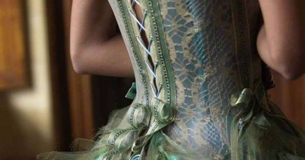 How to Waist Train: Comparing Corset Training Methods Lucy s