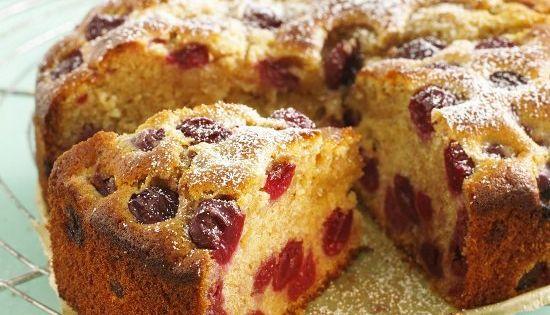 Дрожжевой пирог с замороженной клубникой рецепт