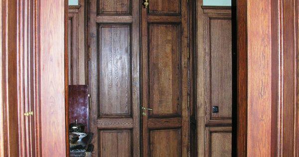 Двери в классическом интерьере дома
