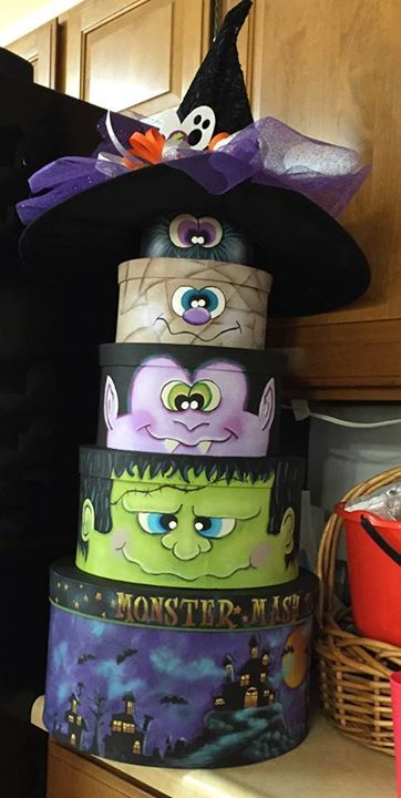 Totem halloween country Pinterest Totems, Craft and Paintings - how to make simple halloween decorations