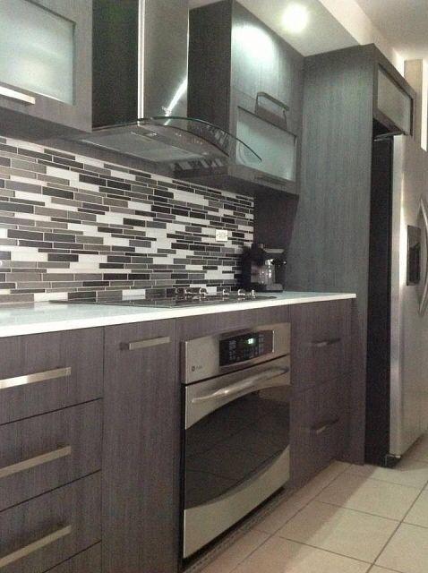 Cocina Integral color nogal rojiso | Muebles para Cocina y Cocinas ...