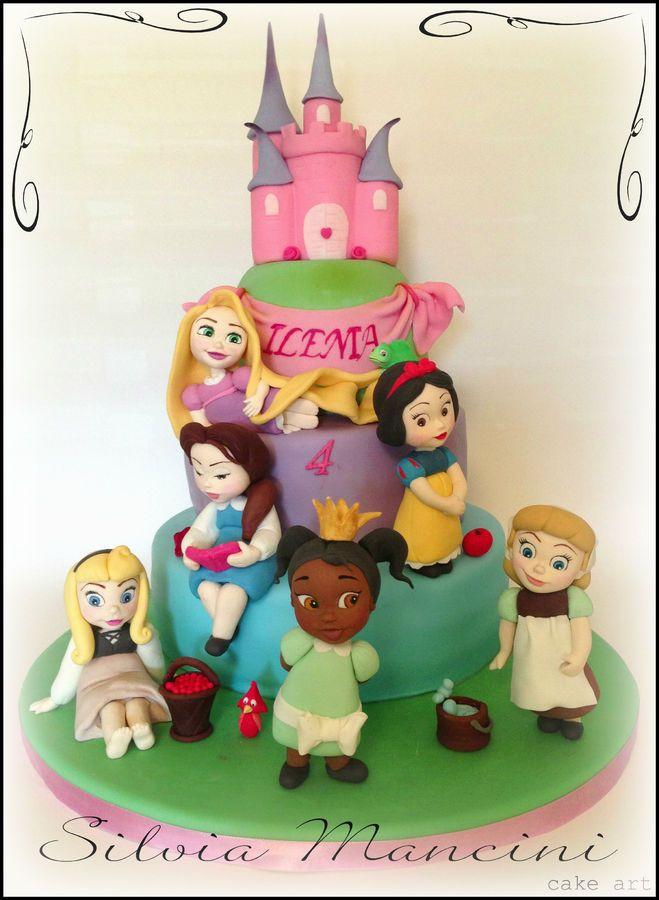 Disney princesses cake- so cute