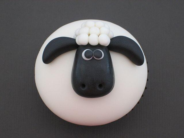 Shaun the sheep cupcake
