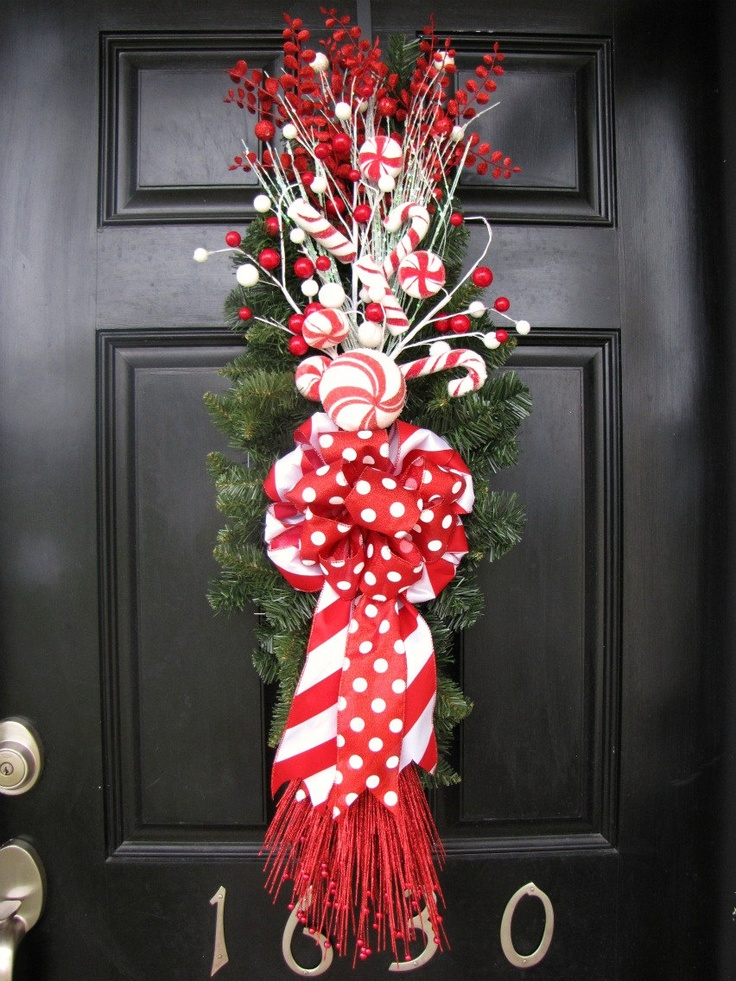 Christmas wreath red and white front door swag wreath for Front door xmas wreaths