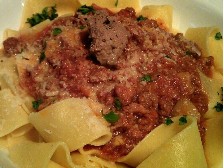 Pappardelle alla Bolognese Classico | Dishes ♥ I Piatti | Pinterest