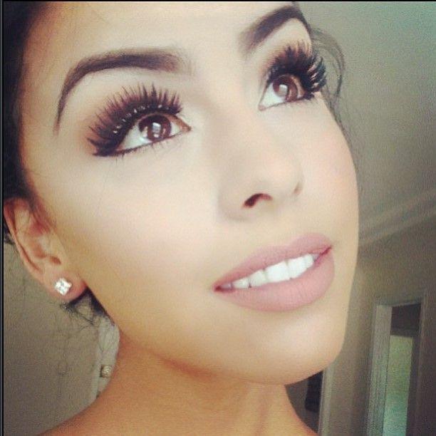 Image Gallery natural fake eyelashes makeup
