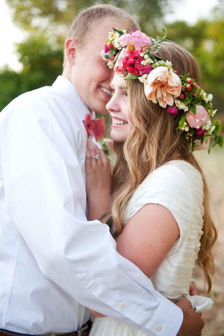 gorgeous flower crown!  Photography By / http://brookeschultzphotography.com,Floral Design By / http://calierose.com