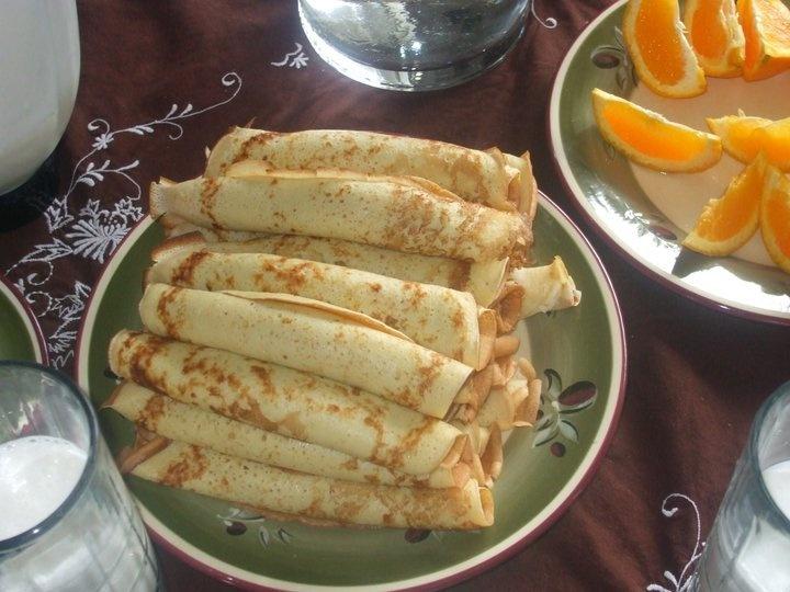 Panqueques con Manjar | food | Pinterest