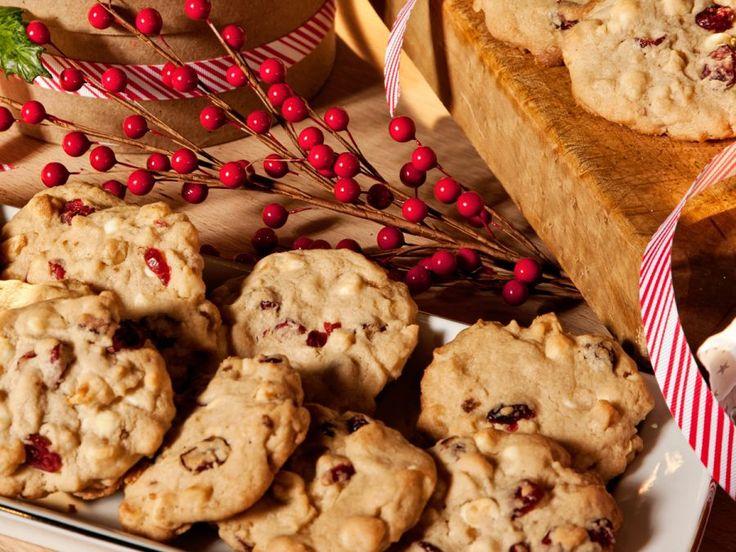 Cranberry & White Chocolate Macadamia Nut Cookies | Imperial Sugar ...