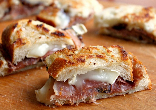 f0o0od: Grilled Cheese- Brie, Prosciutto, & Fig