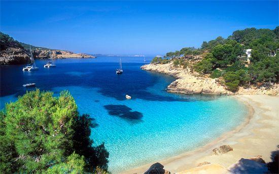 Playa Cala Salada, Ibiza.